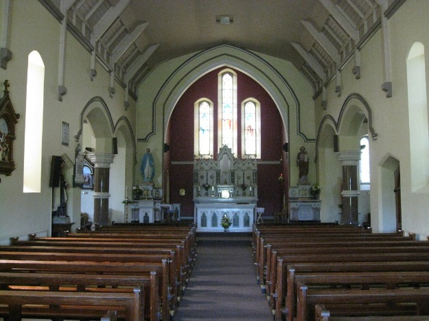 Dunhill Church Inside 01a